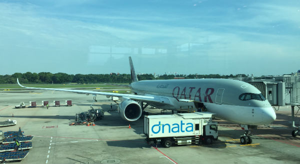AIRBUS a350 Changi airport Qatar Airways